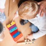 La musicothérapie pour enfants : ses techniques et ses avantages